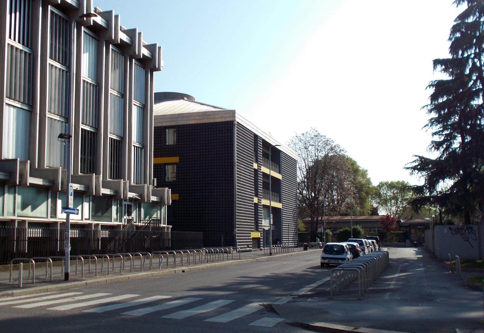 Edificio 25 Politecnico di Milano - Vista da via Golgi