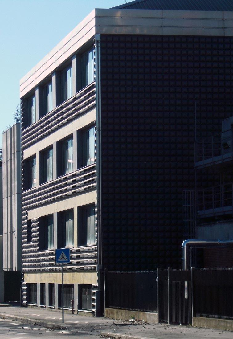 Edificio 25 Politecnico di Milano - Il fronte est