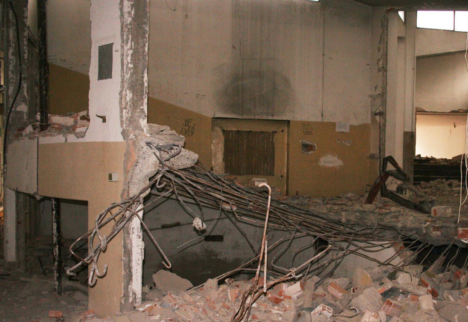 Polo scolastico Manzoni - Demolizione di strutture