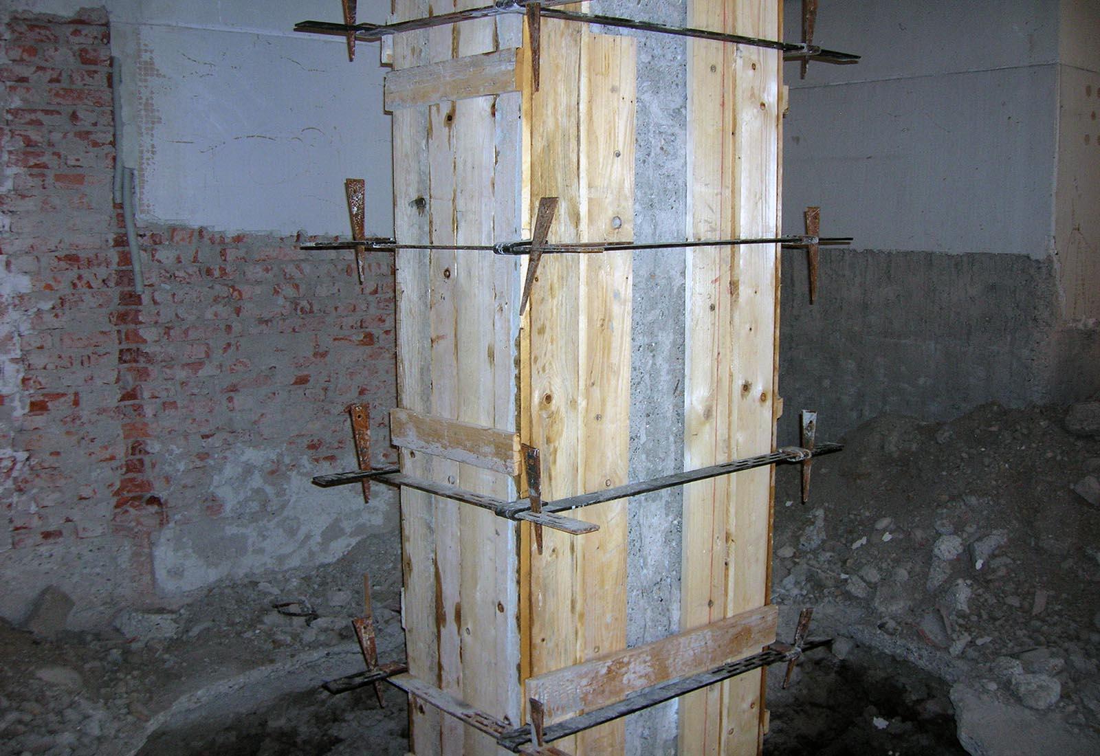 Polo scolastico Manzoni - Rinforzo strutturale dei pilastri