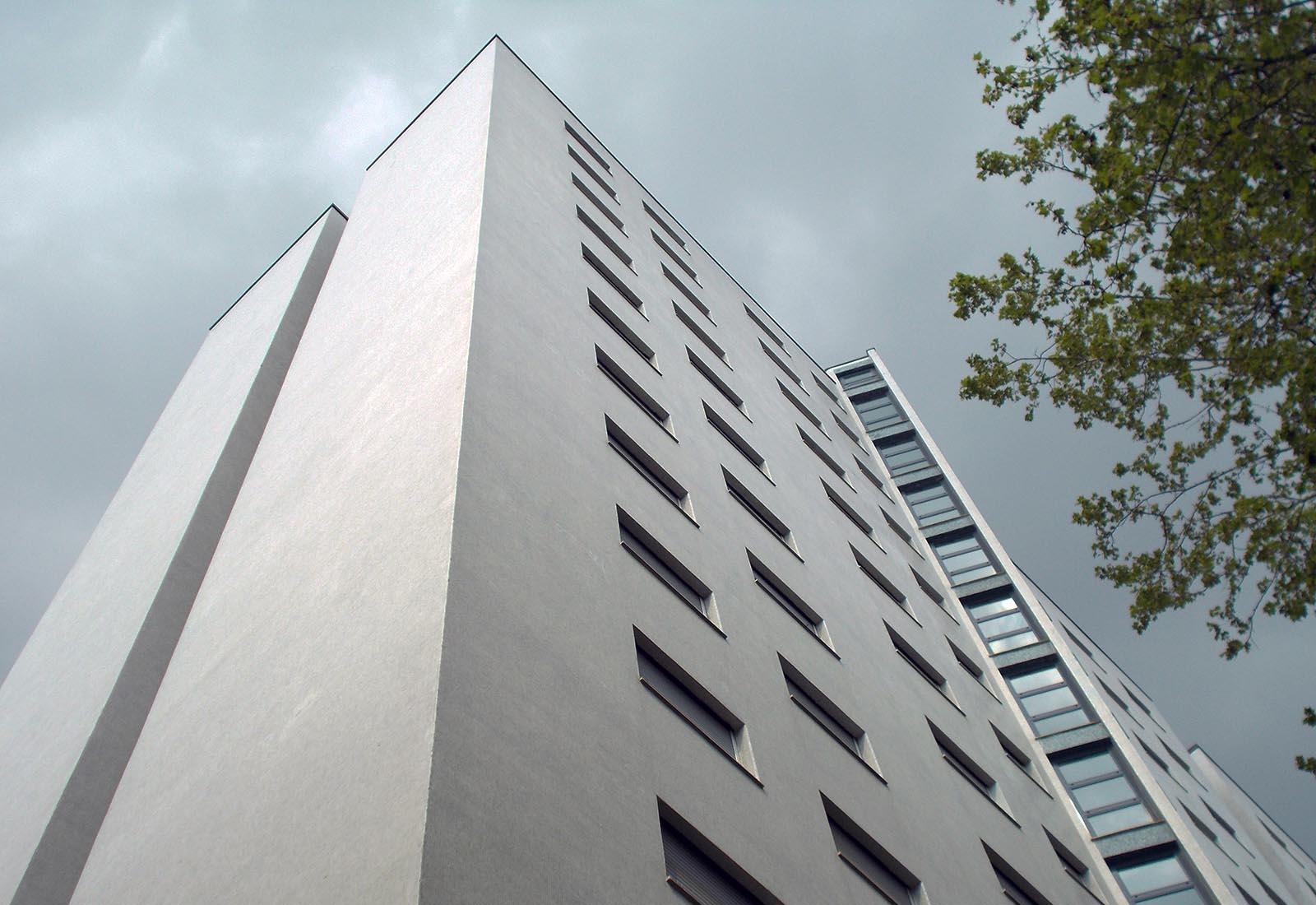 Residenza universitaria di via Corridoni - Scorcio della torre B