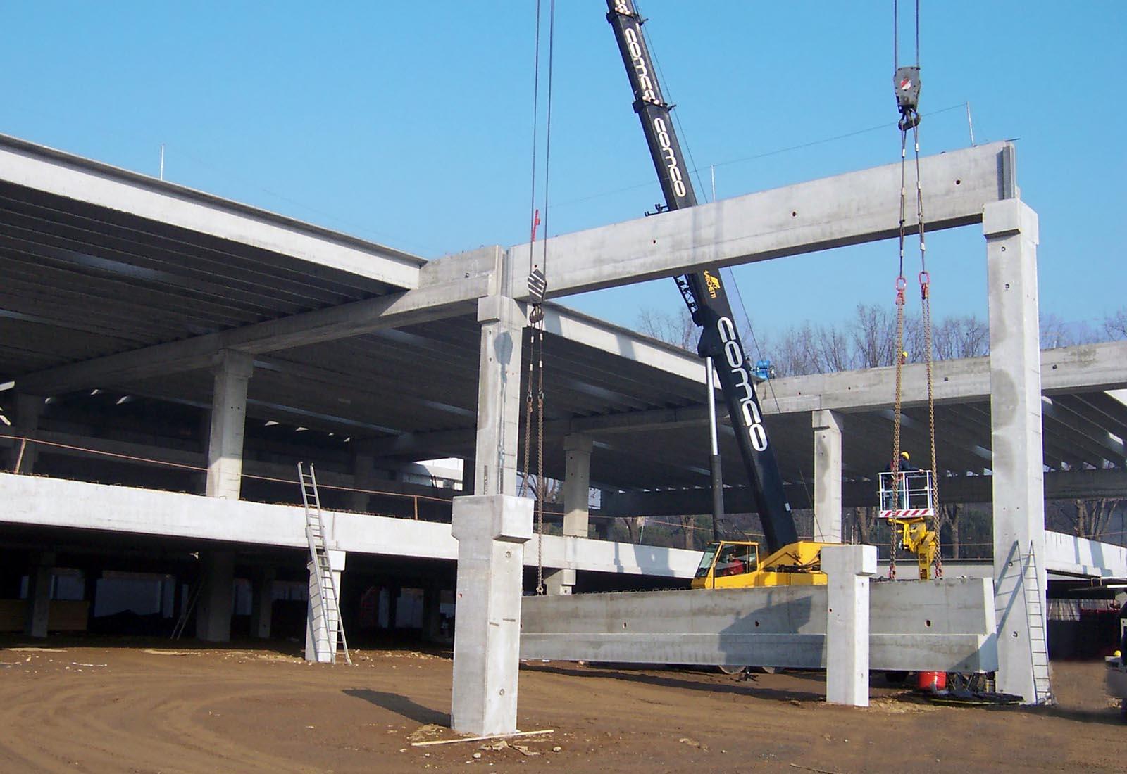 Esselunga Macherio - Il montaggio della struttura prefabbricata