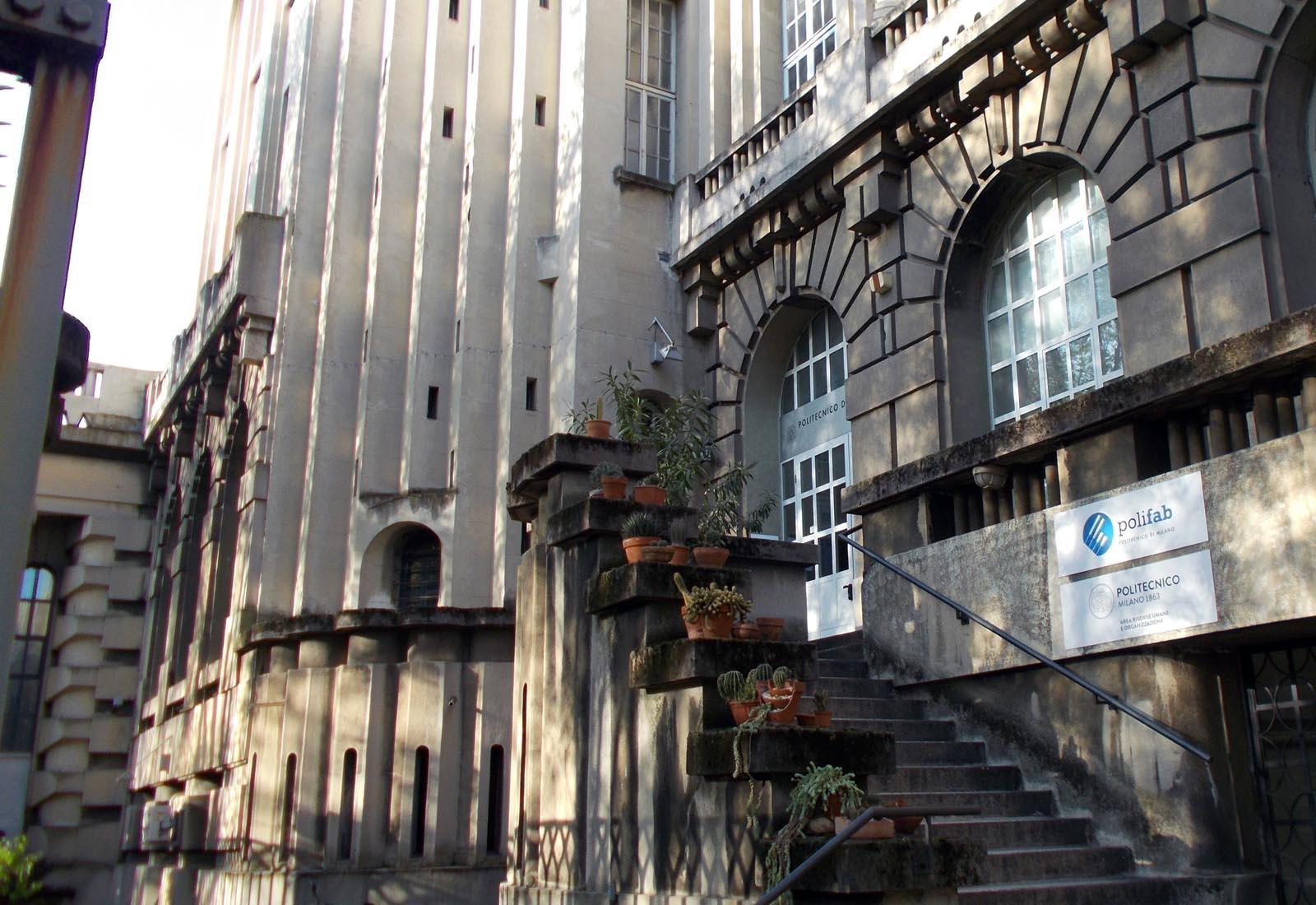 Politecnico Fotonica - Dettaglio della facciata
