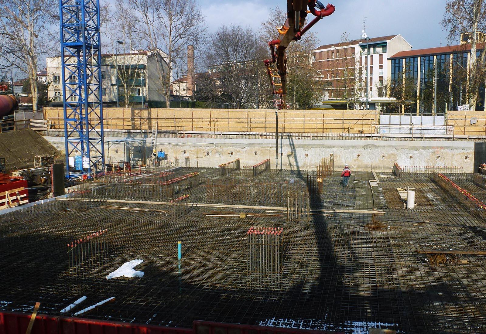 Residenze universitarie Bocconi in viale Isonzo a Milano - Armatura della platea di fondazione