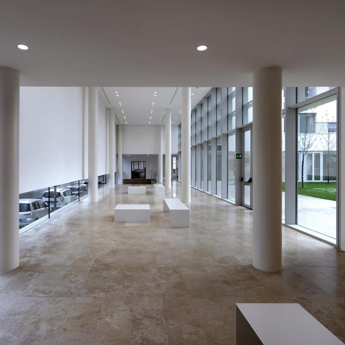 Residenze universitarie Bocconi in viale Isonzo a Milano - L'atrio