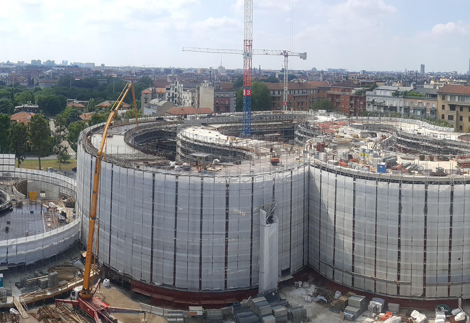 Edifici del campus Bocconi in via Castiglioni a Milano - Vista degli edifici Office ed Executive