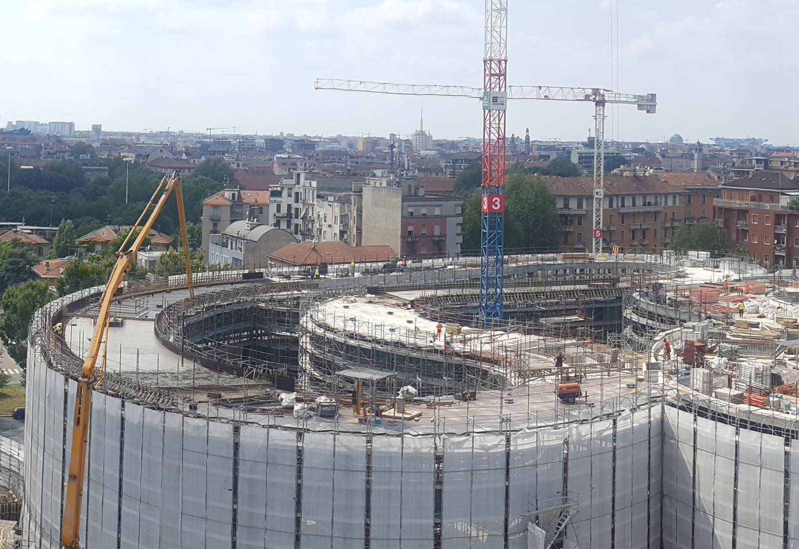 Edifici del campus Bocconi in via Castiglioni a Milano - Dettaglio dell'edificio Office
