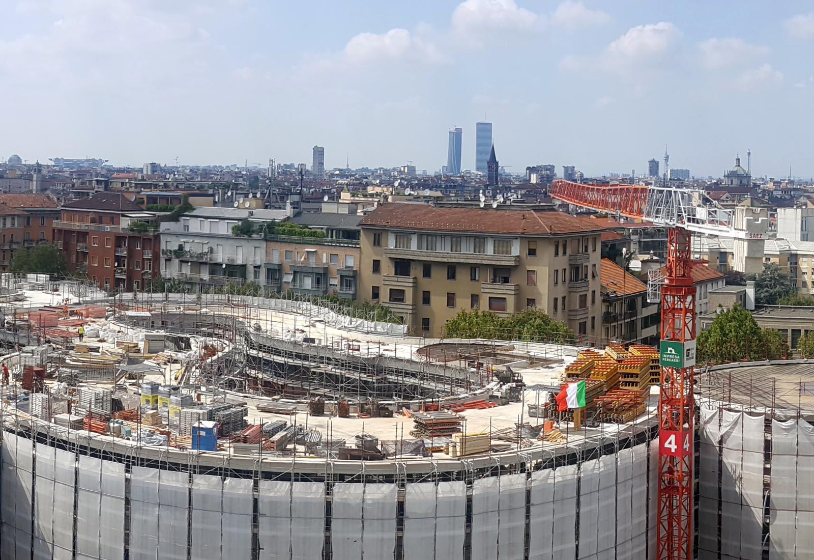 Edifici del campus Bocconi in via Castiglioni a Milano - Dettaglio dell'edificio Executive