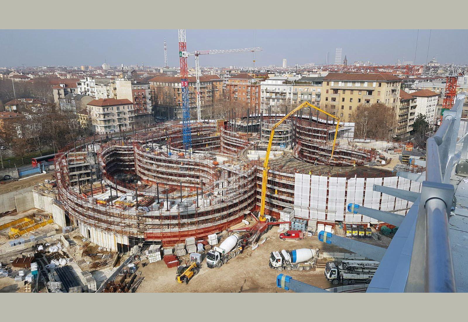 Edifici del campus Bocconi in via Castiglioni a Milano - L'edificio Office e l'edificio Executive