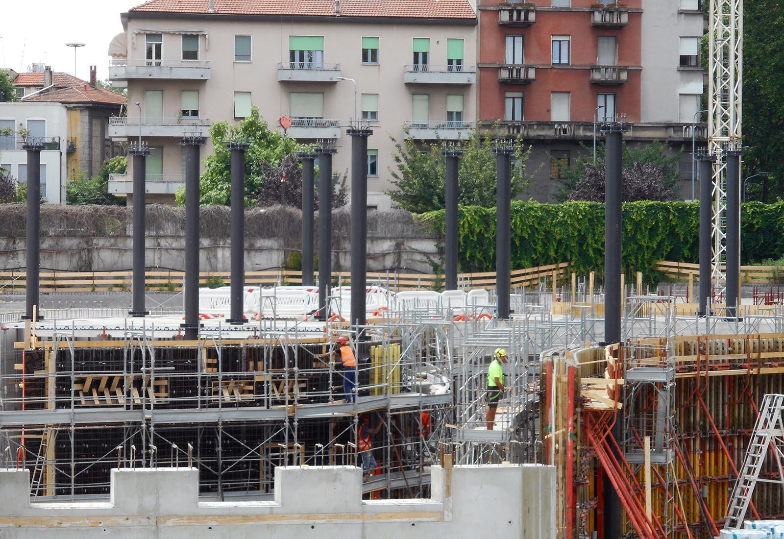 Edifici del campus Bocconi in via Castiglioni a Milano - Vista della struttura in acciaio