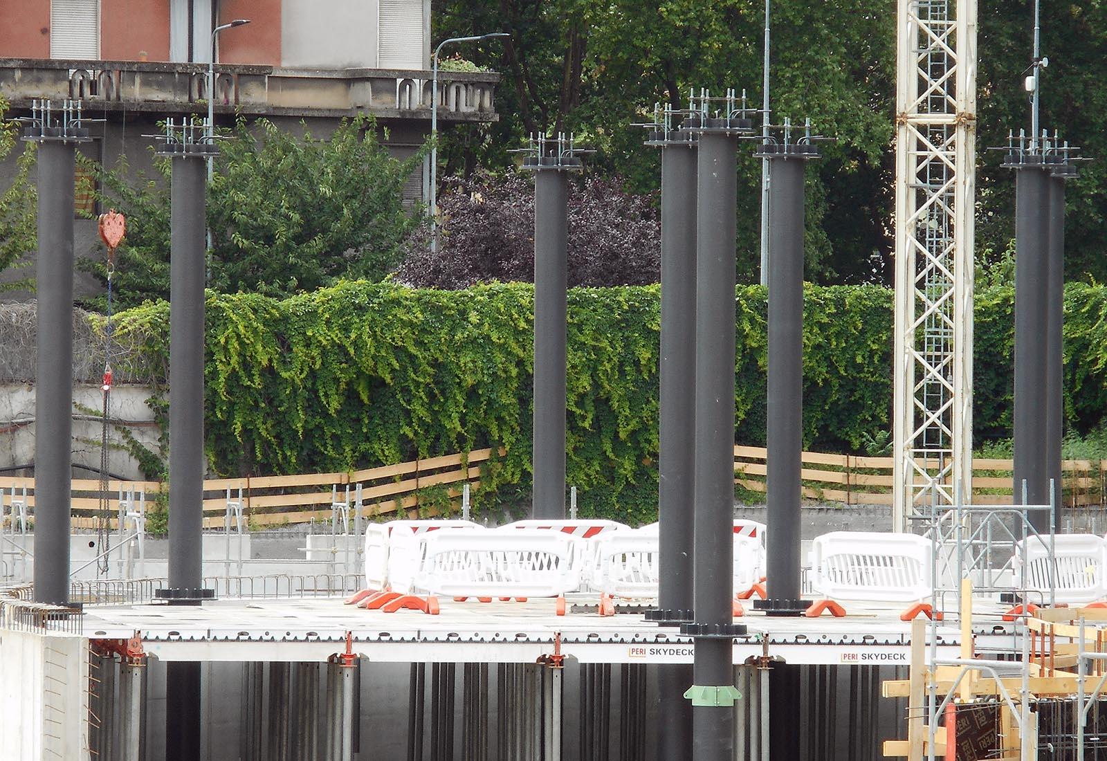 Edifici del campus Bocconi in via Castiglioni a Milano - Dettaglio della struttura in acciaio