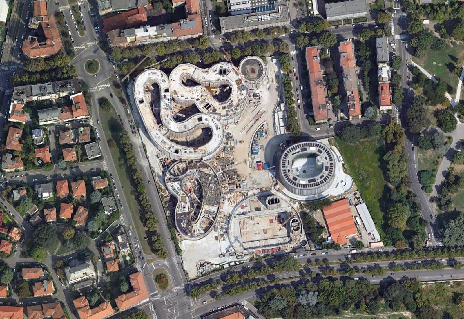 Edifici del campus Bocconi in via Castiglioni a Milano - Vista aerea zenitale