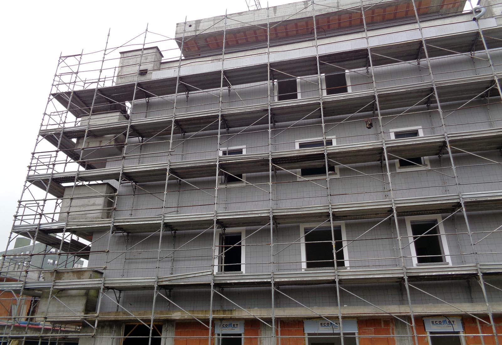 Residenze via Biringhello a Rho - La coibentazione della facciata