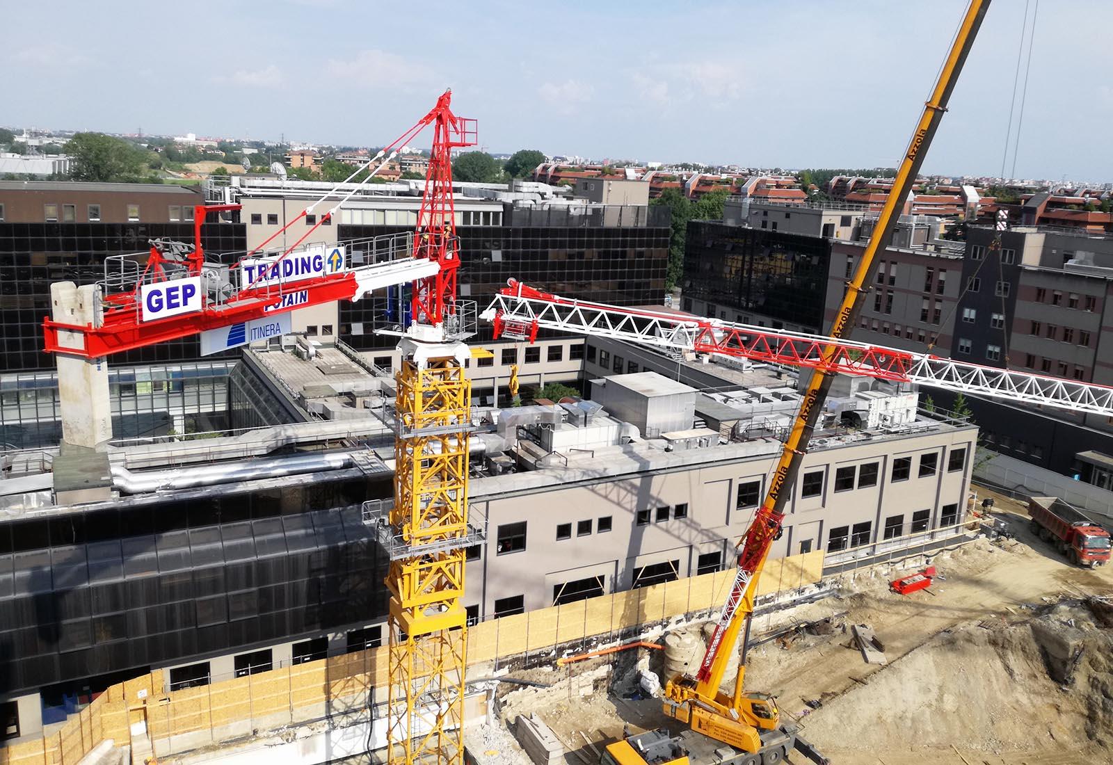 Ampliamento Ospedale San Raffaele a Milano - Il montaggio della gru