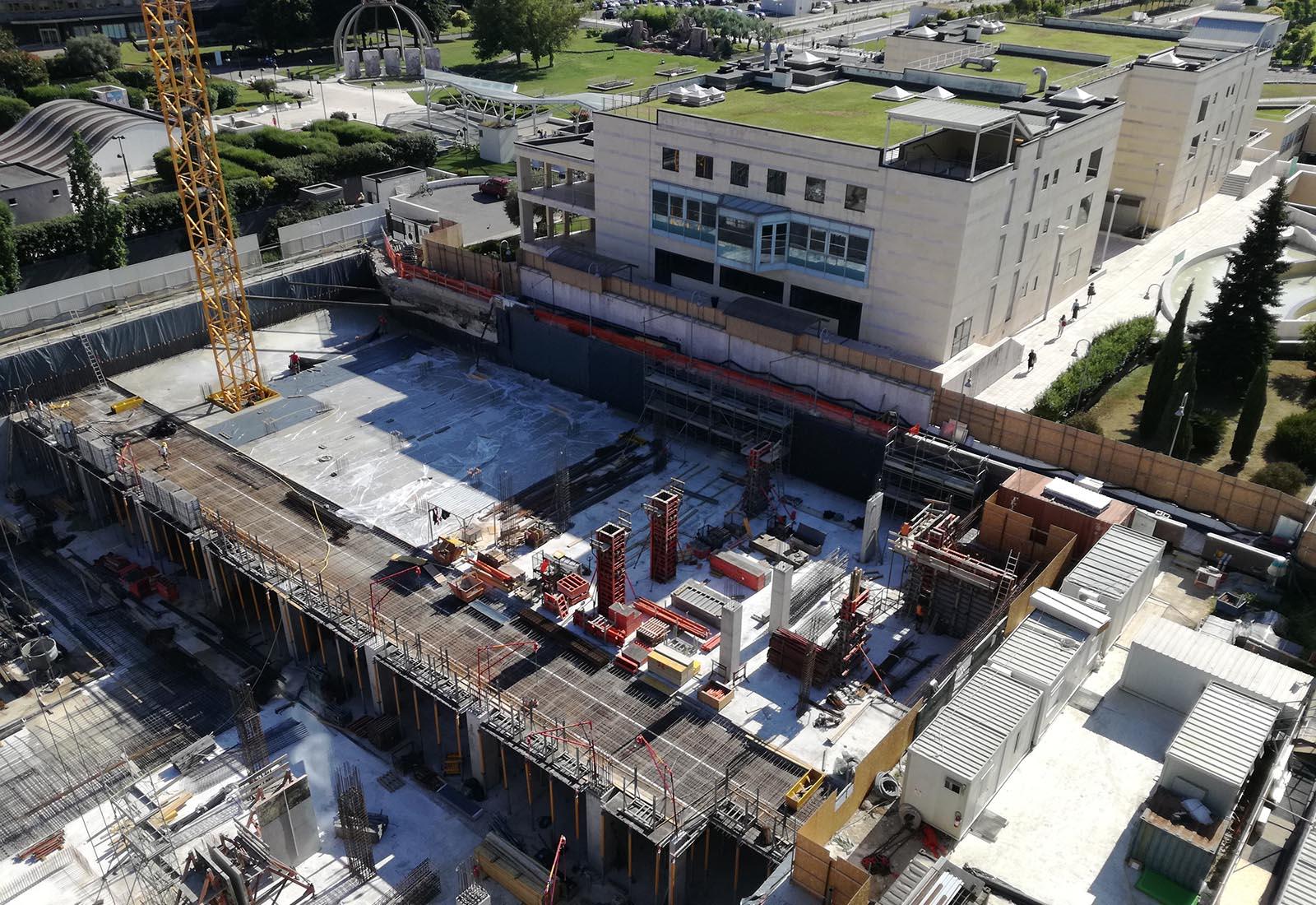 Ampliamento Ospedale San Raffaele a Milano - Il lato occidentale del cantiere