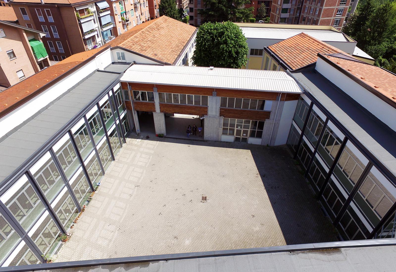 Poliplesso scolastico a Melegnano - Vista aerea