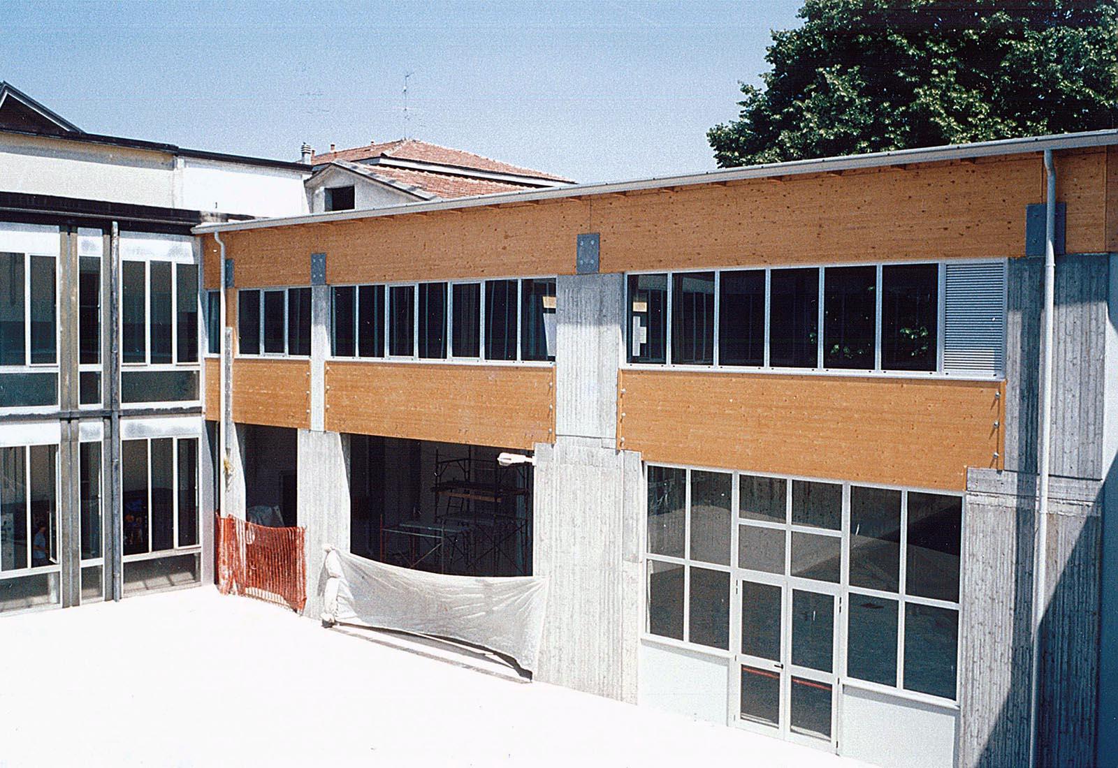 Poliplesso scolastico a Melegnano - Il nuovo corpo di collegamento