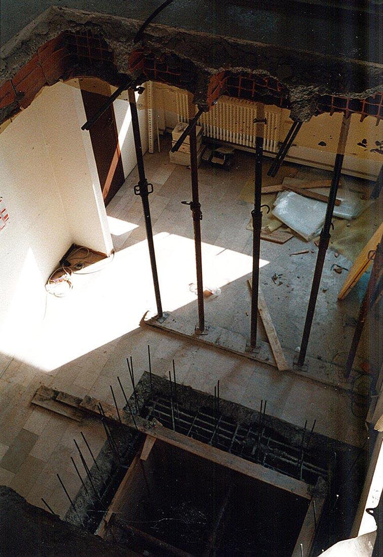 Adeguamento normativo plesso scolastico a Como - Il vano per il nuovo ascensore