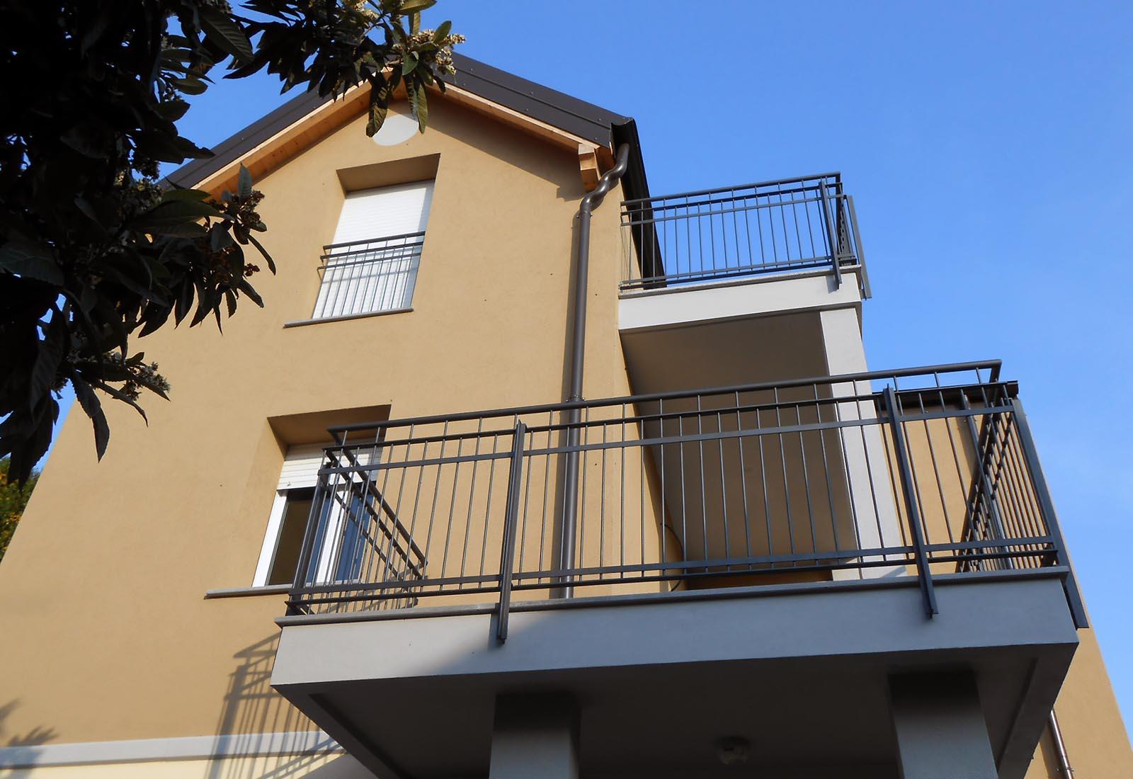 Casa a Rho in via dei Mille - Dettaglio della facciata