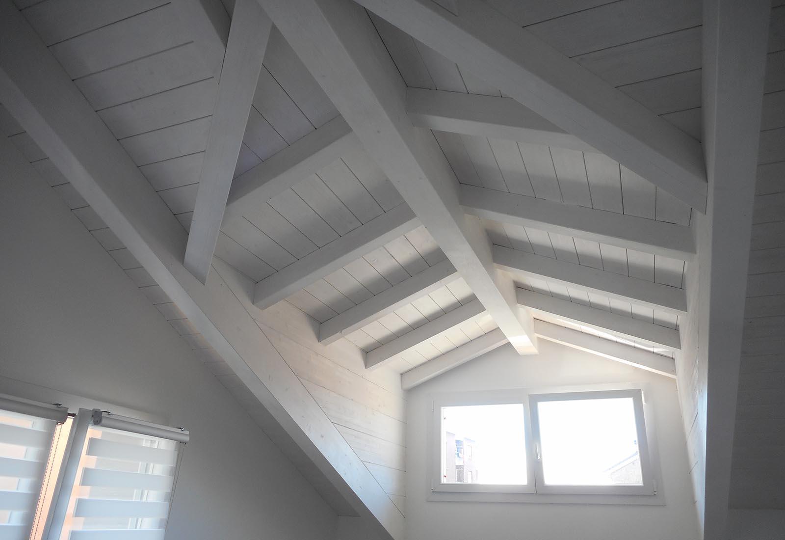 Casa a Rho in via Crocefisso - Intradosso del tetto